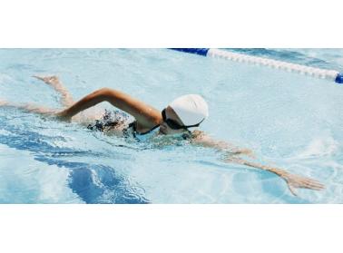 La natación, ¿es realmente buena para la espalda?- Blog Tienda Online Fisiotema.com